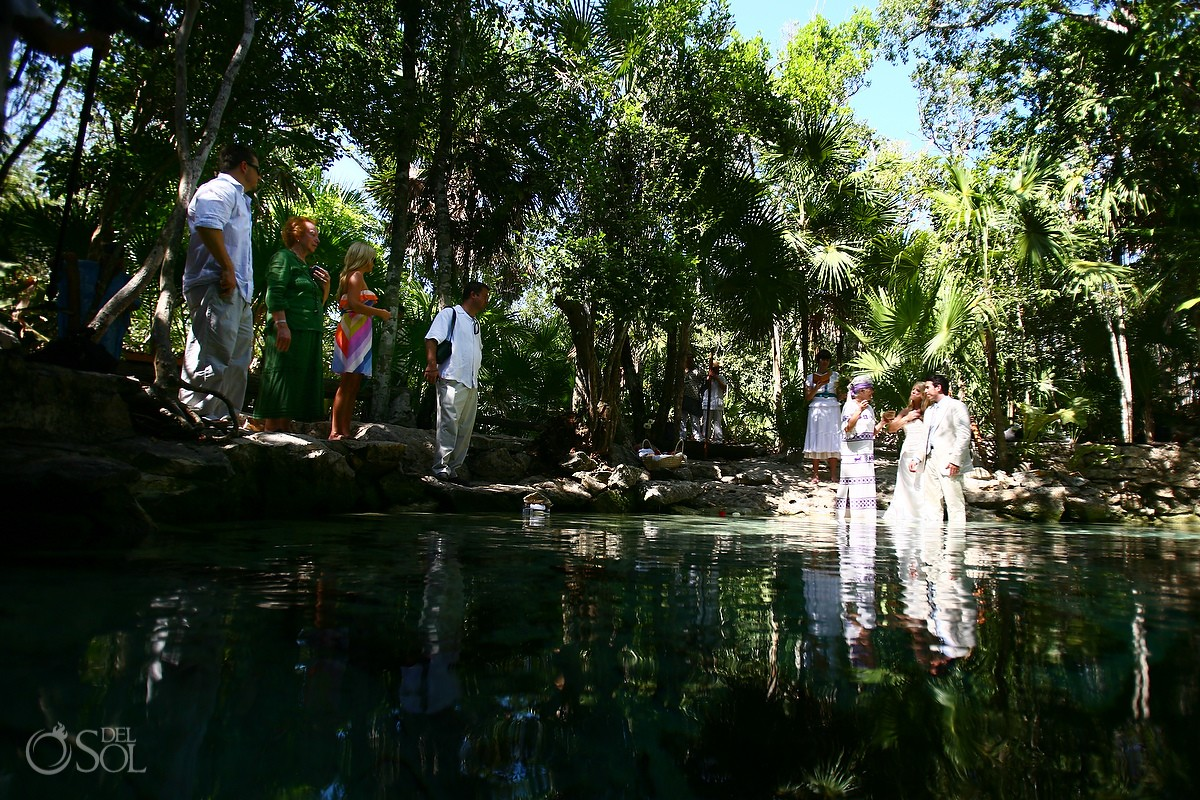 Cenote Cosmic Wedding photographer
