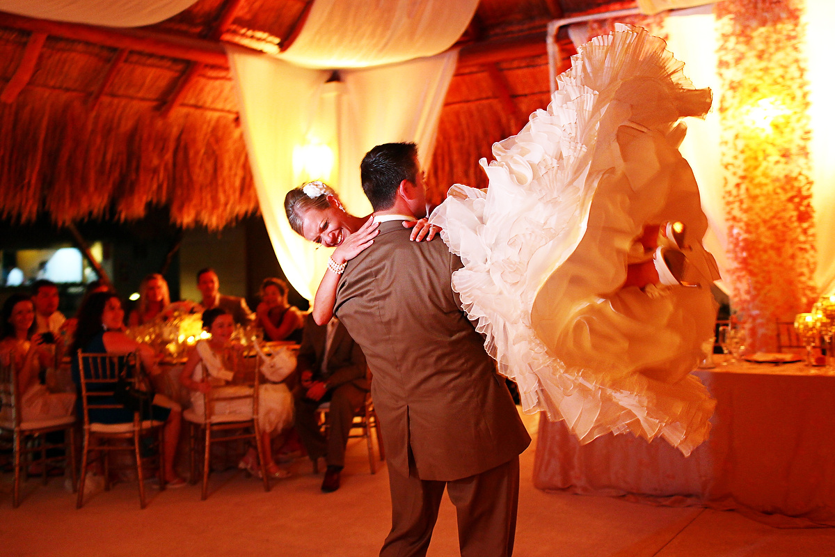 Huffpost weddings 27 First Dance Wedding Photos That Radiate Romance, Paradisus Riviera Maya