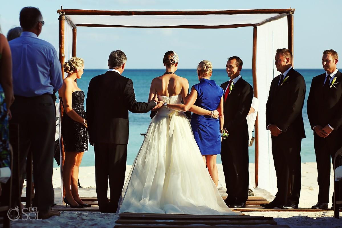 Hotel Esencia wedding photo bride and groom