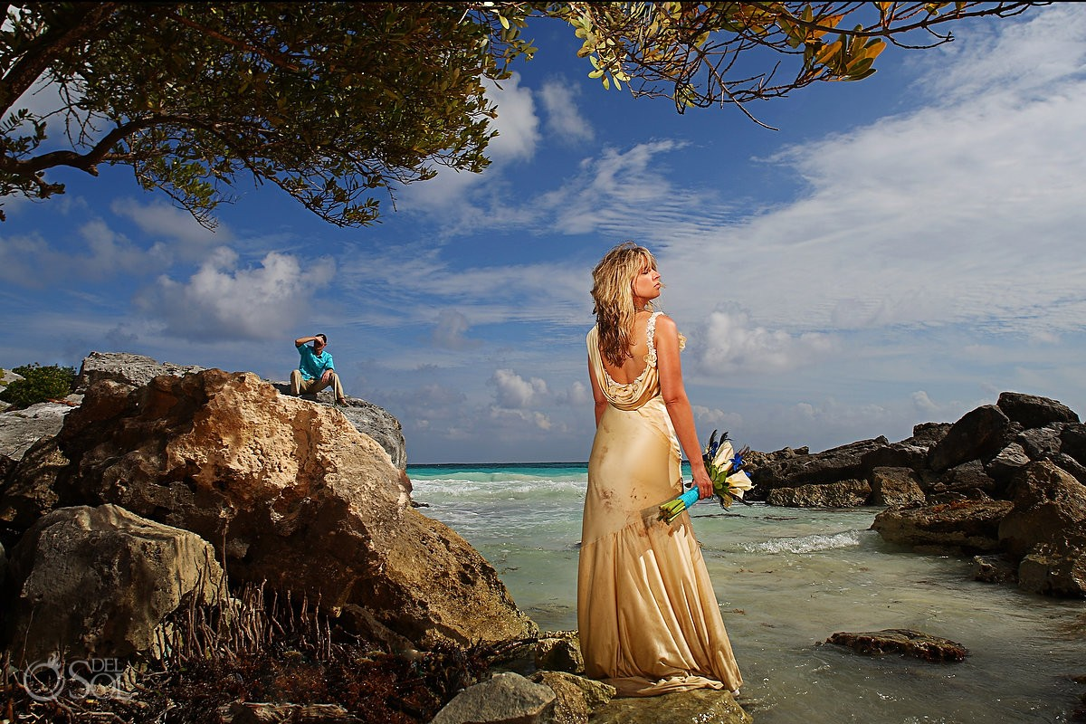 Jessica and Justin celebrating their love with a wonderful Cenote Trash the Dress and Beach Portrait session in the Riviera Maya