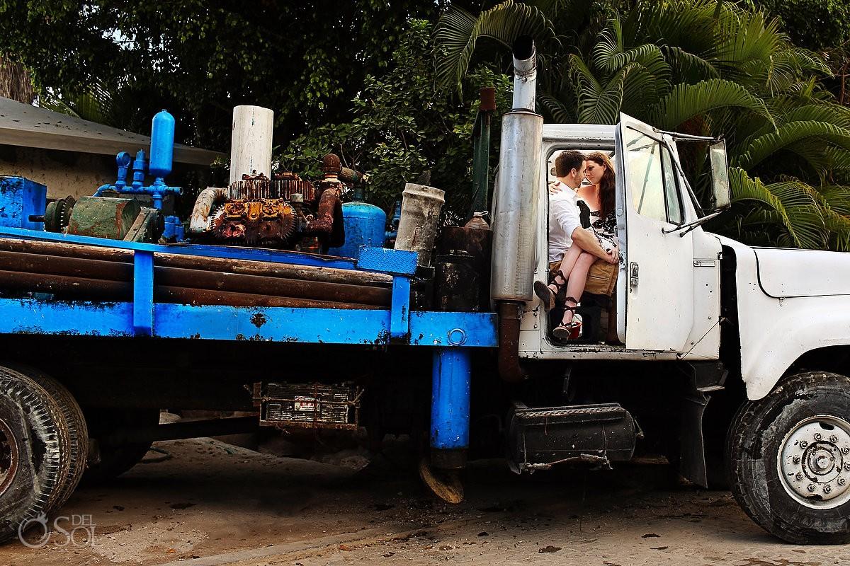 Urban Engagement photo sin Playa del Carmen with a big truck