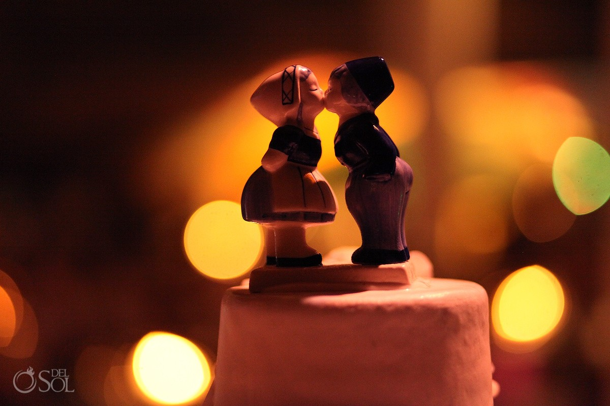 Mexico destination wedding cake topper