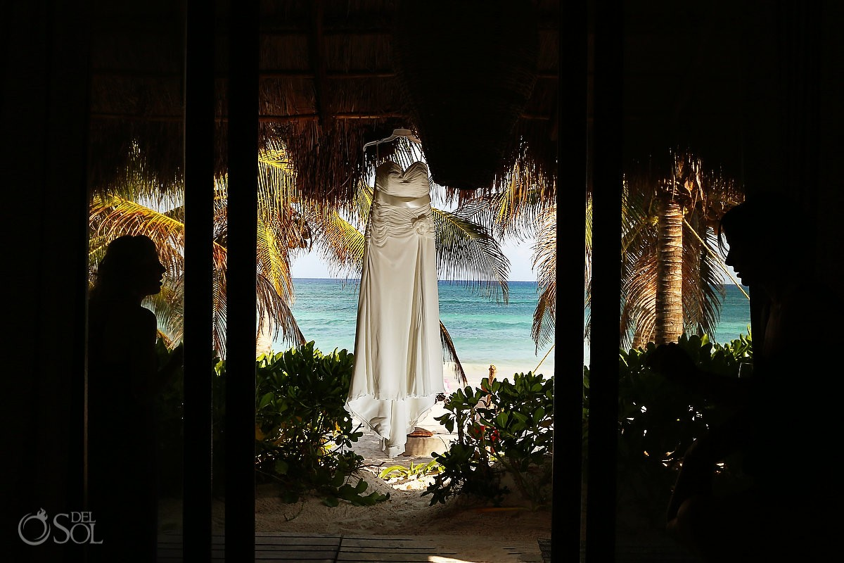 Destination wedding Tulum gown