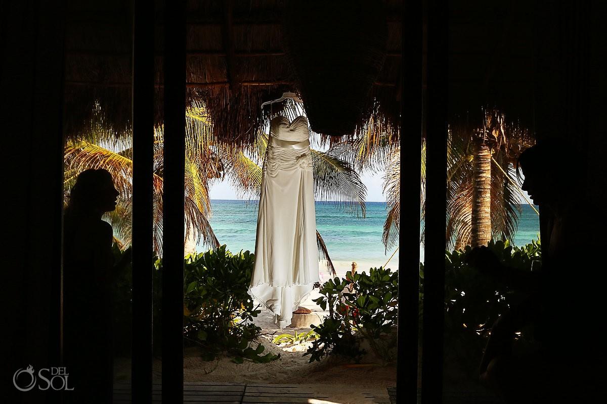 Destination wedding Tulum gown