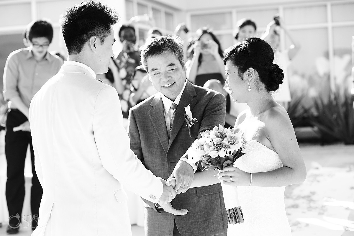 Father gives away bride at a destination wedding in Mexico