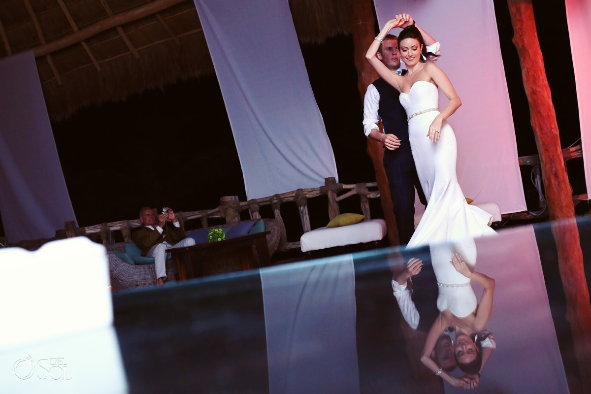 wedding-tulum-bride-groom-dance
