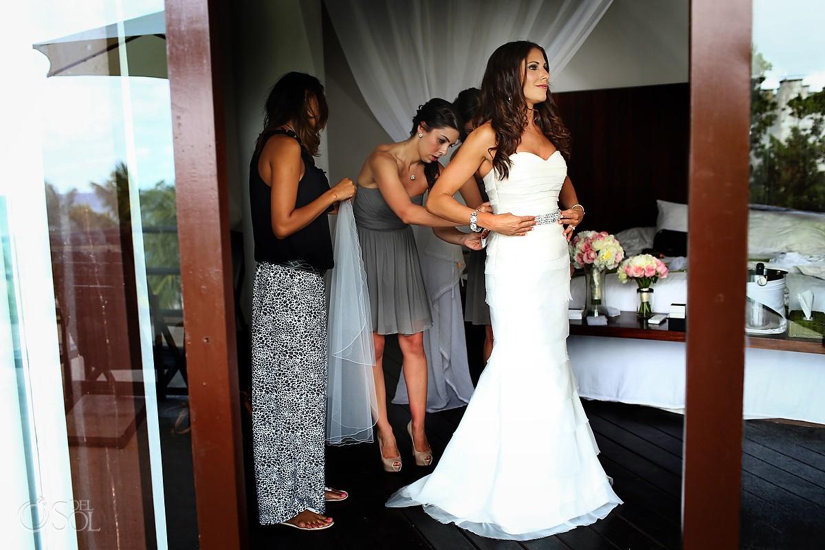 Wedding bride Le Reve Hotel Riviera Maya