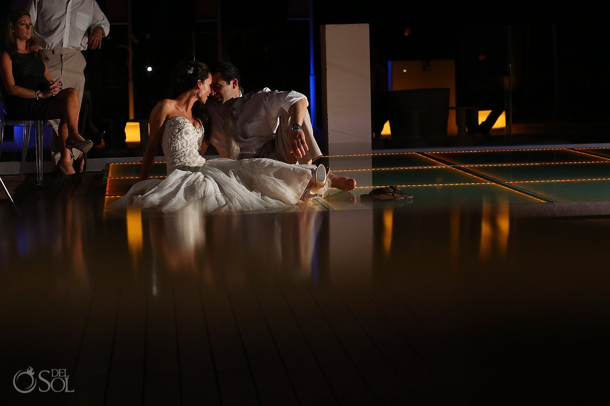 bride and groom posing for their Wedding at Paradisus La Esmeralda