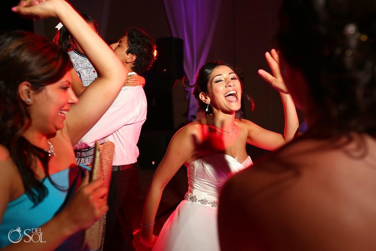 Cancun wedding reception bride