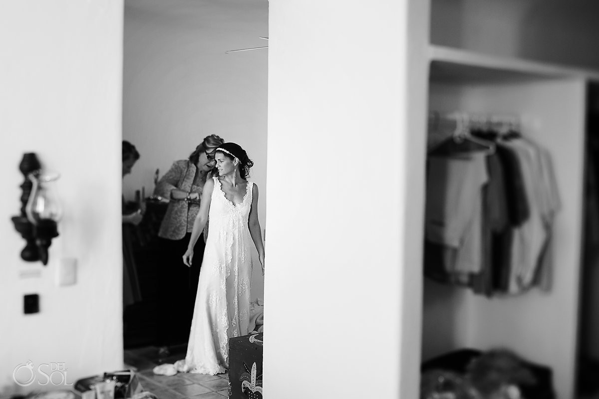 Riviera Maya wedding bride getting ready