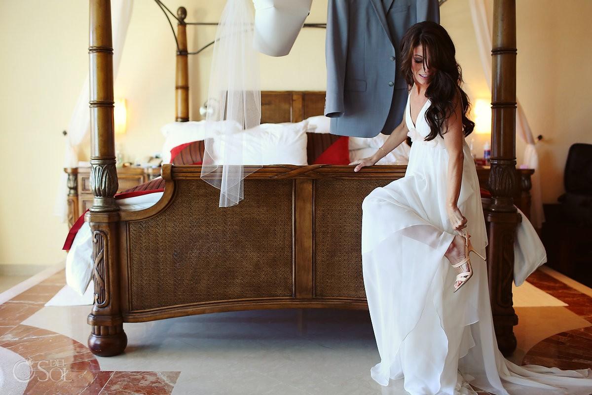 Bride getting ready for her destination wedding in Playa del Carmen, Mexico