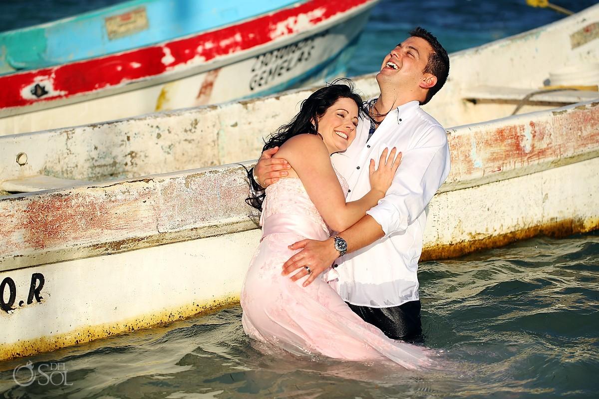 Ocean trash the dress Puerto Morelos bride and groom