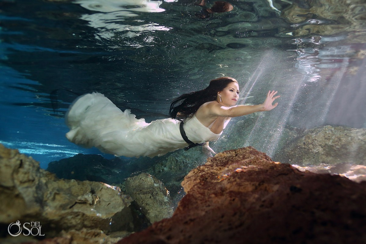 Cenote trash the dress in Vera Wang Bridal