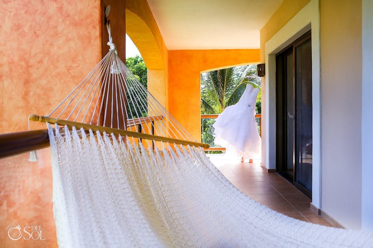 Hanging bridal gown balcony hammock