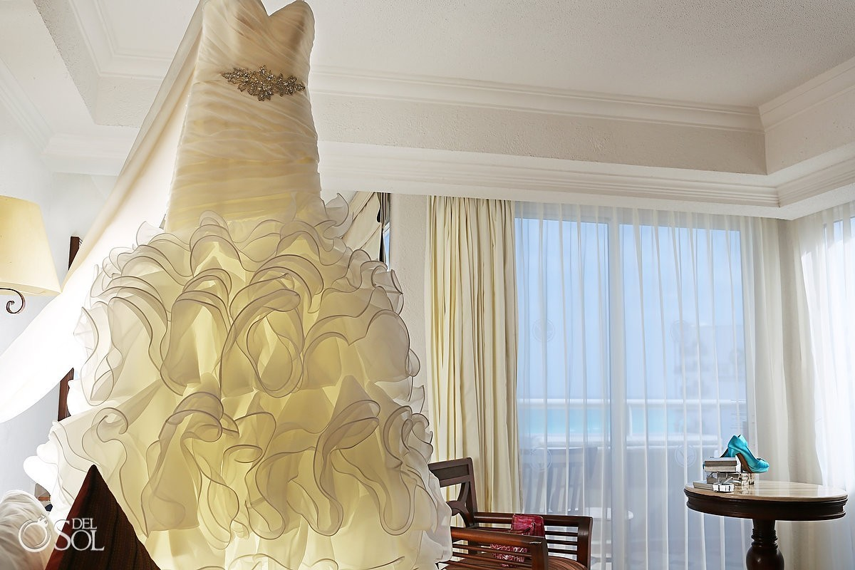 Hanging bridal gown hotel Cancun
