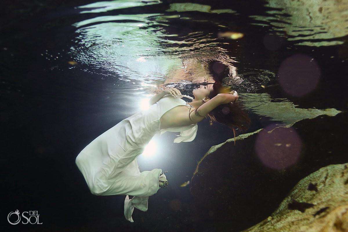 Cenote trash the dress underwater bride Riviera Maya
