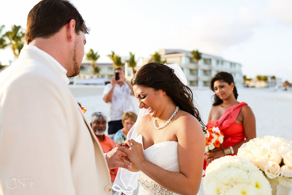 Bride and groom destination wedding Cancun