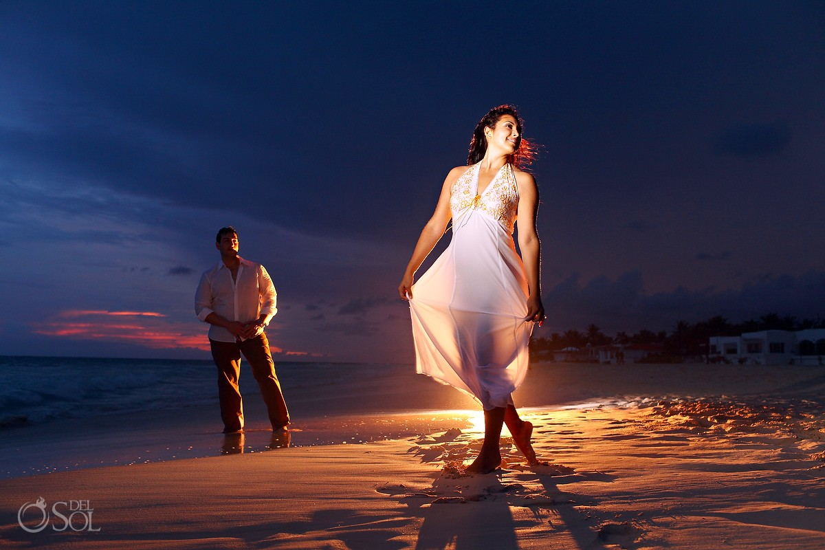 Sunset in Playa del Carmen engagement photos