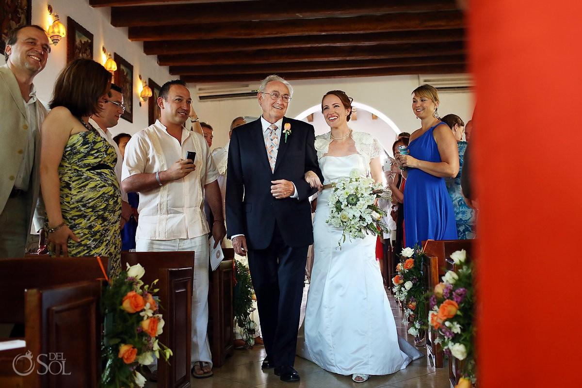 Playa del Carmen wedding Capilla del Nuestra Senora del Carmen