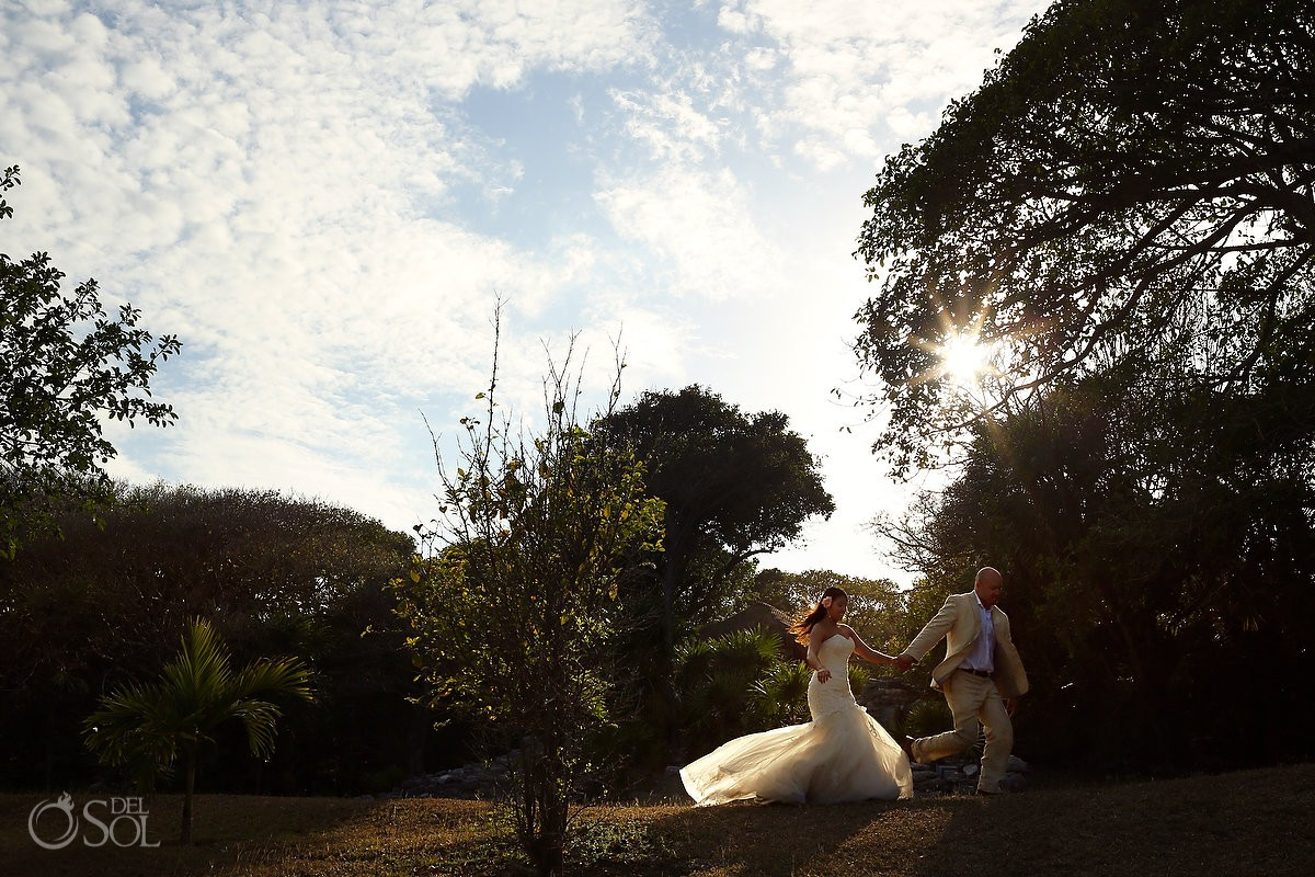 Newlyweds trash the dress jungle Riviera Maya