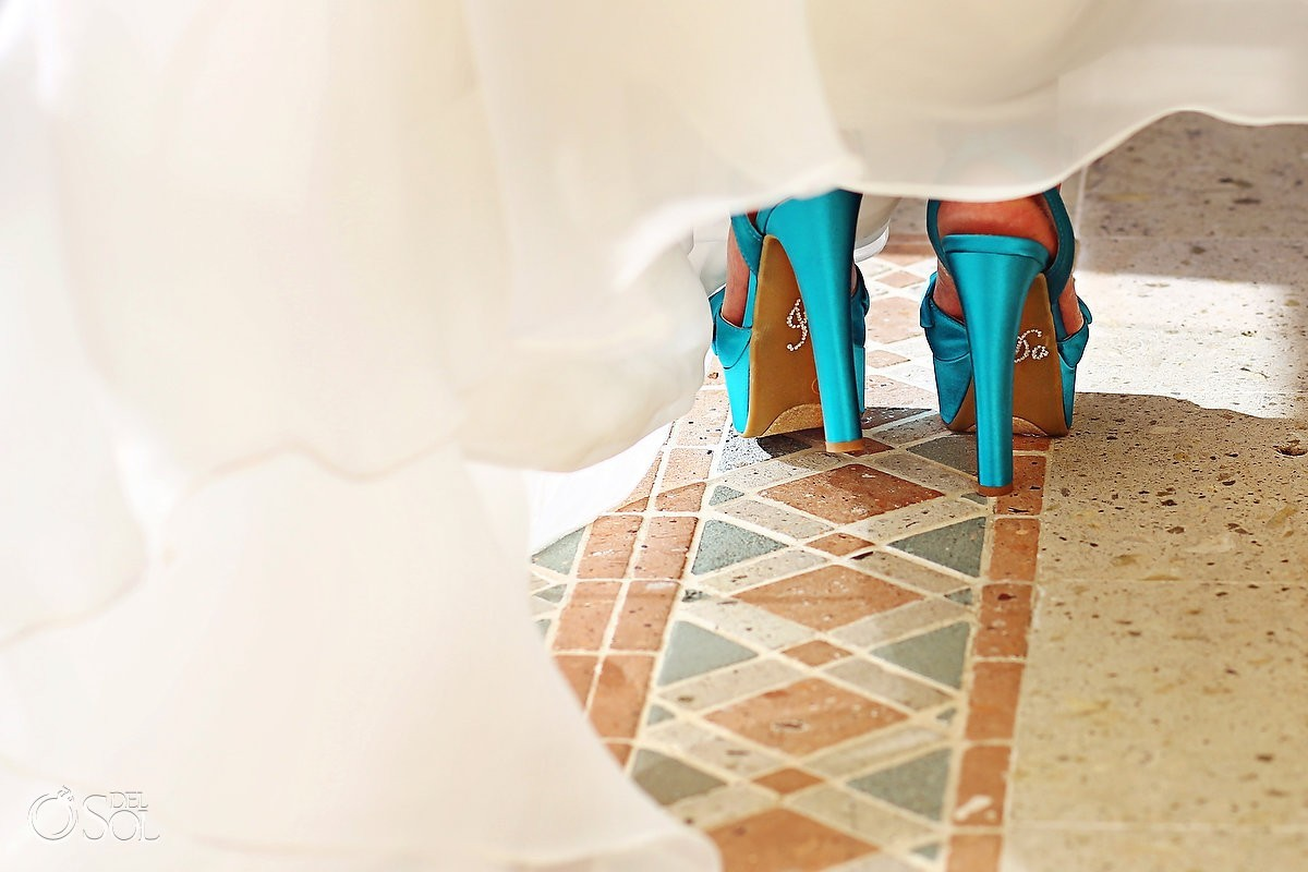 Bridal shoes in blue satin