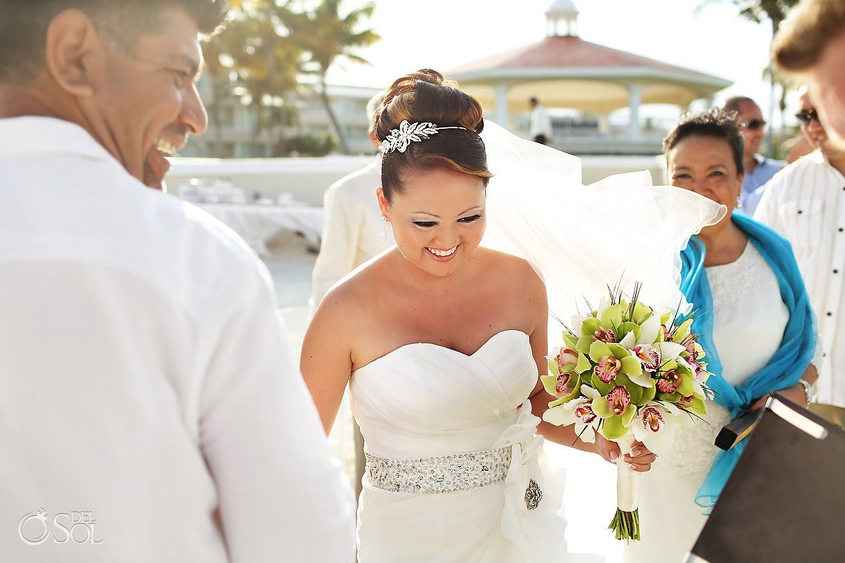 Moon Palace Cancun wedding smiling bride