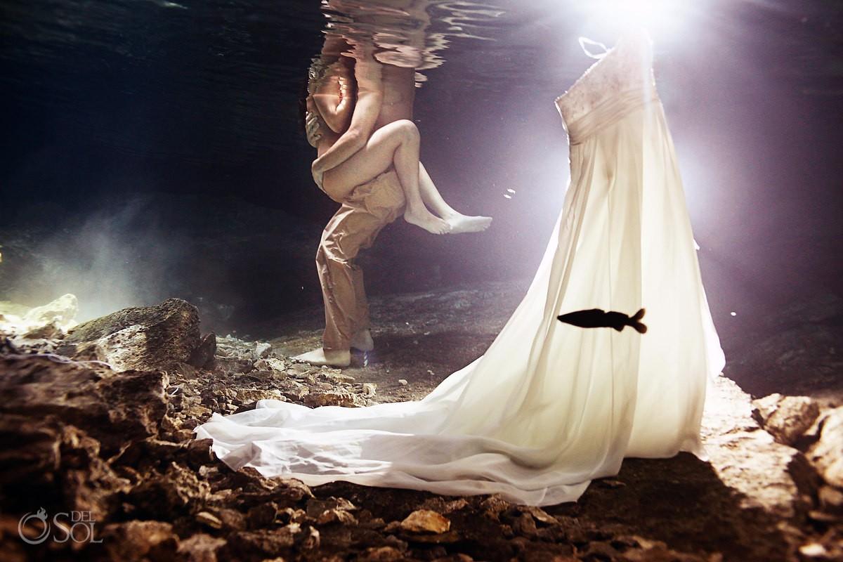 Nude underwater wedding portraits