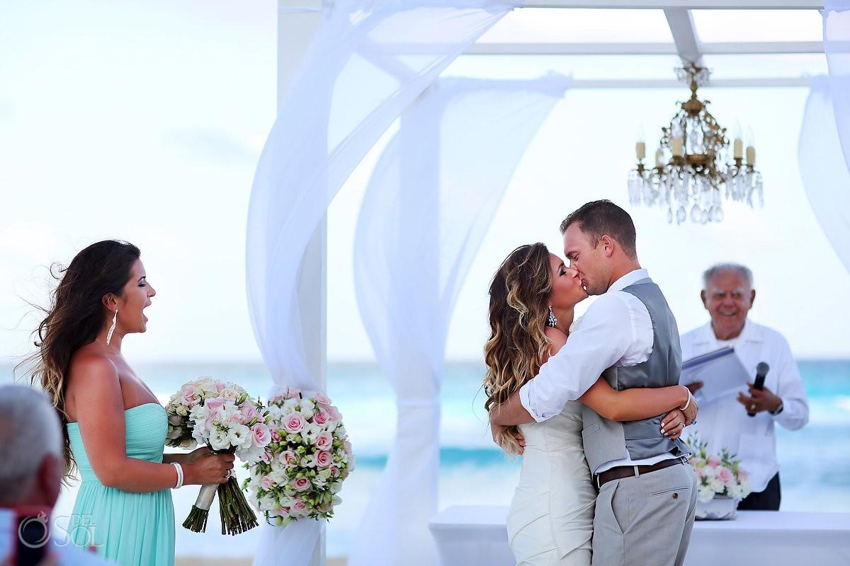 First kiss newlyweds JW Marriott Cancun