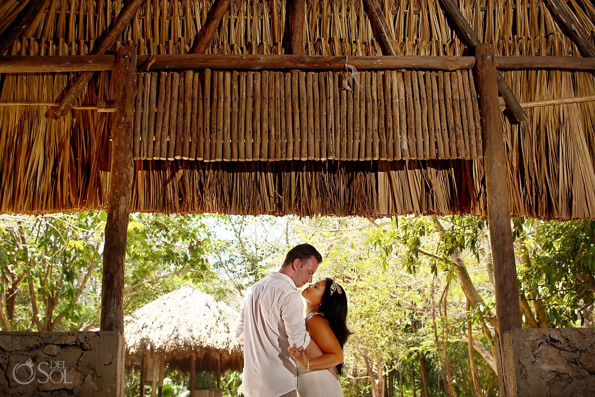 Cenote trash the dress Riviera Maya palapa