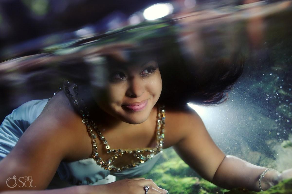 Riviera Maya trash the dress underwater bride