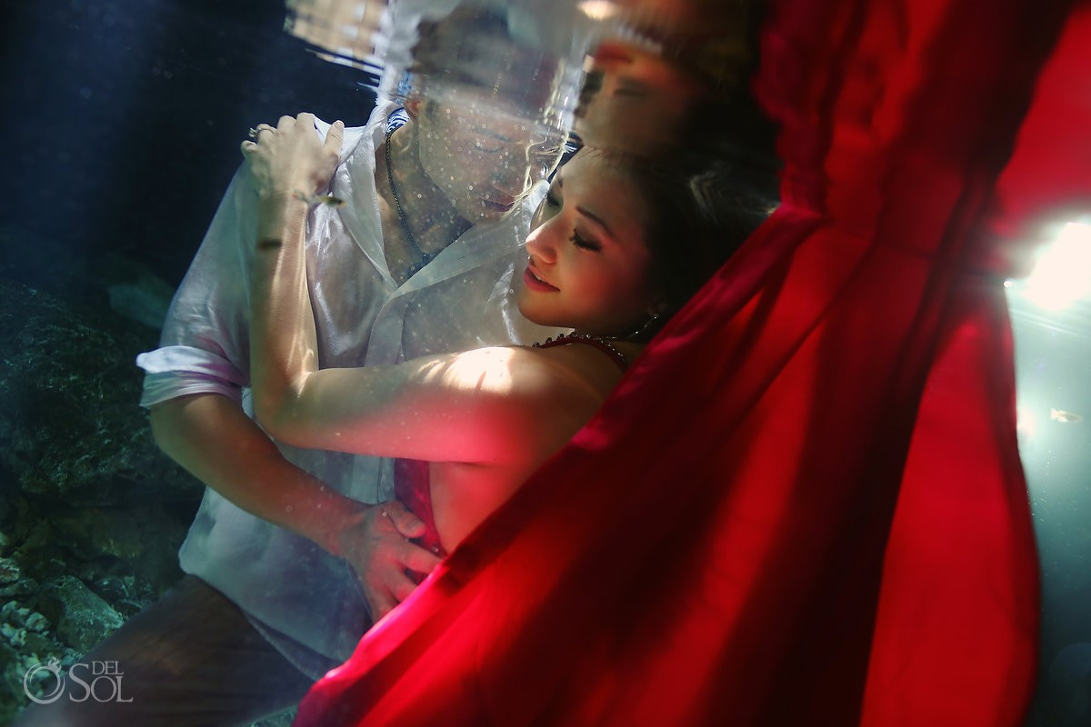 Riviera Maya underwater photography trash the dress