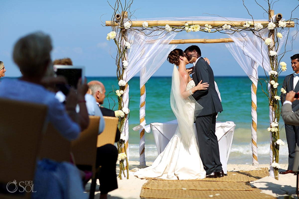 First kiss - Fairmont Mayakoba Wedding