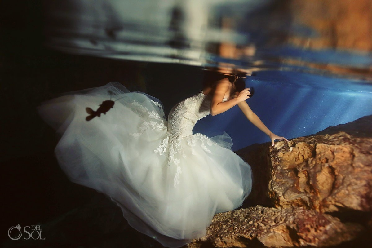 Riviera Maya photography underwater bride trash the dress