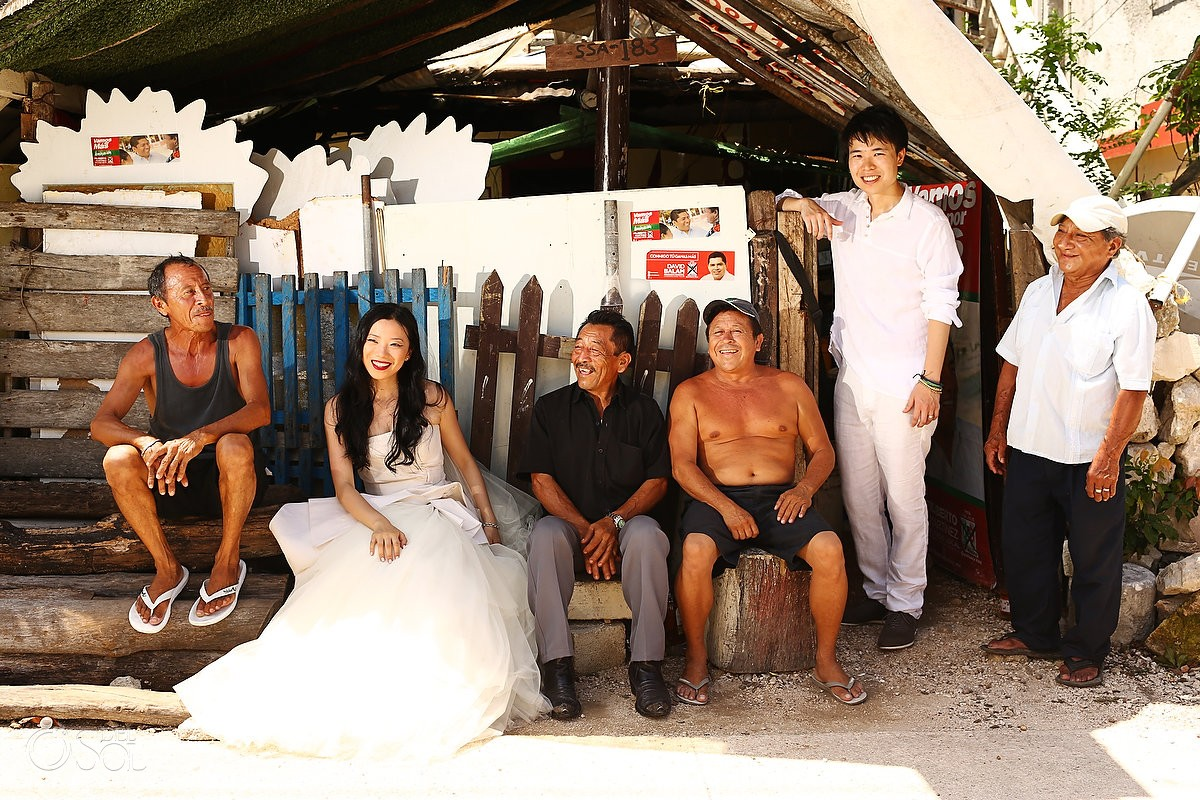 Urban photo session in the Riviera Maya with a cenote trash the dress session