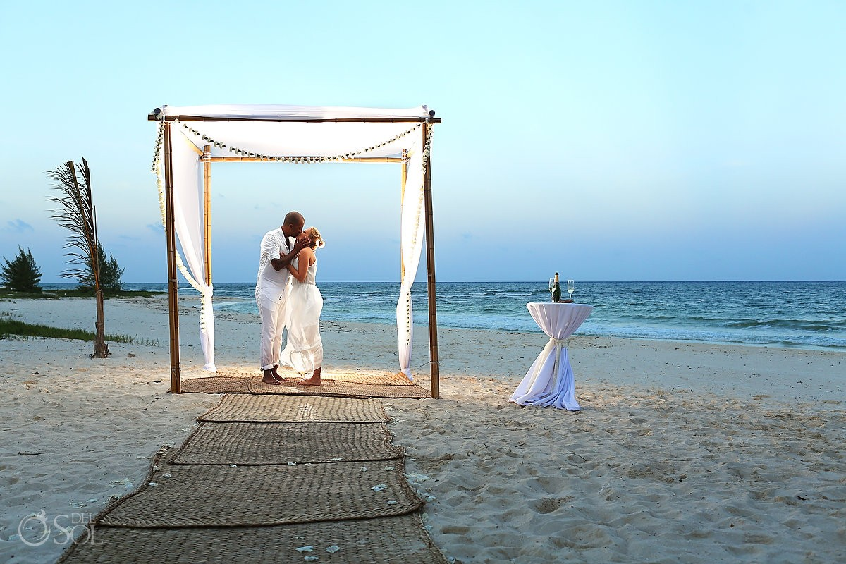 IMG Delsolphotography Wp Content Uploads 2013 08 Riviera Maya Wedding Proposal And At Grand Coral Beach Club NP 0053