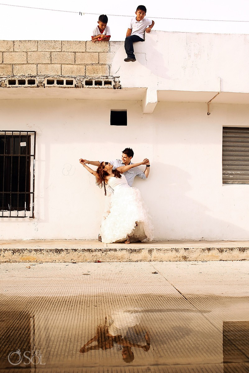 Playa del Carmen photography trash the dress. Mexico wedding photographers Del Sol Photography