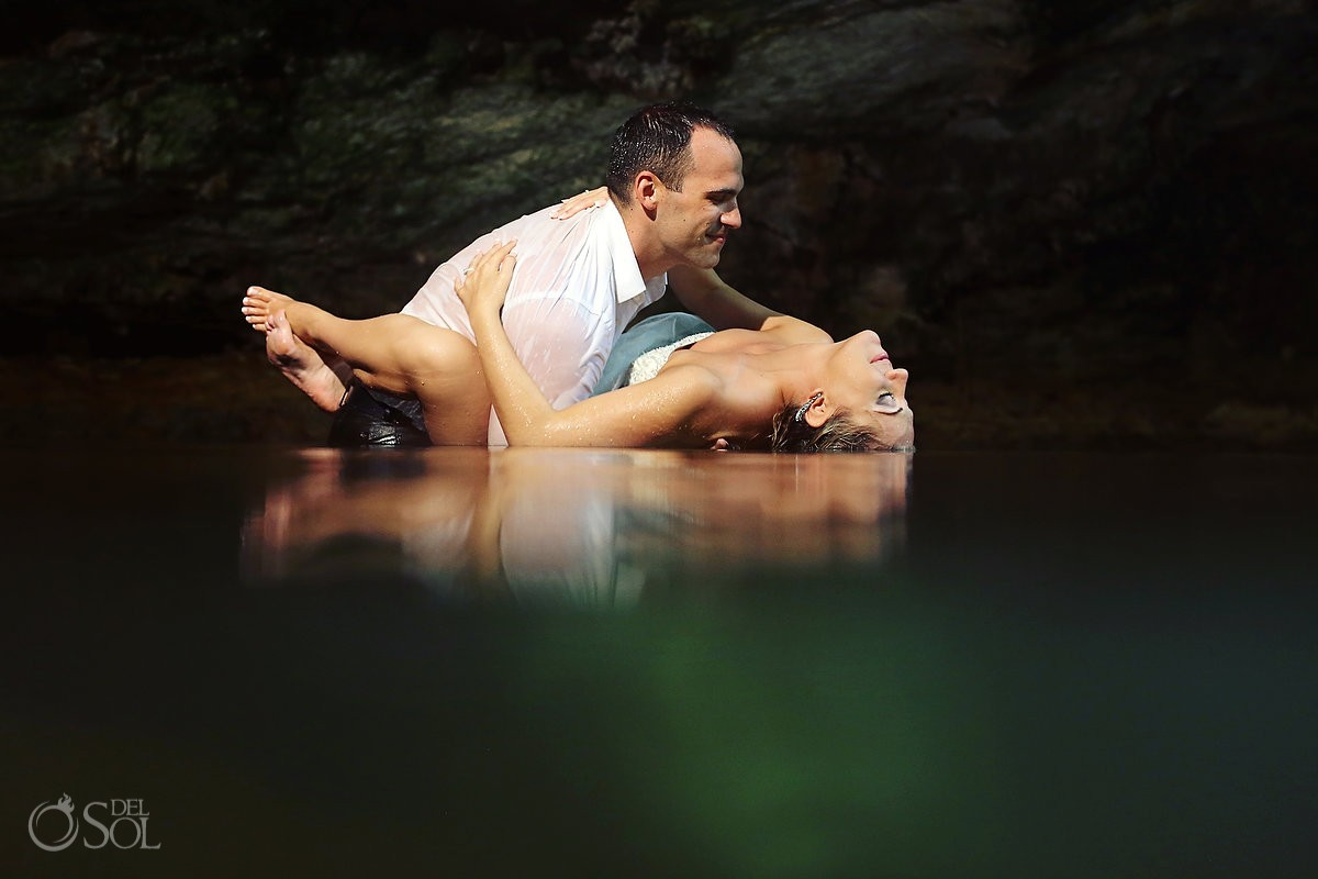 Trash the dress underwater Riviera Maya cenote Del Sol Photography