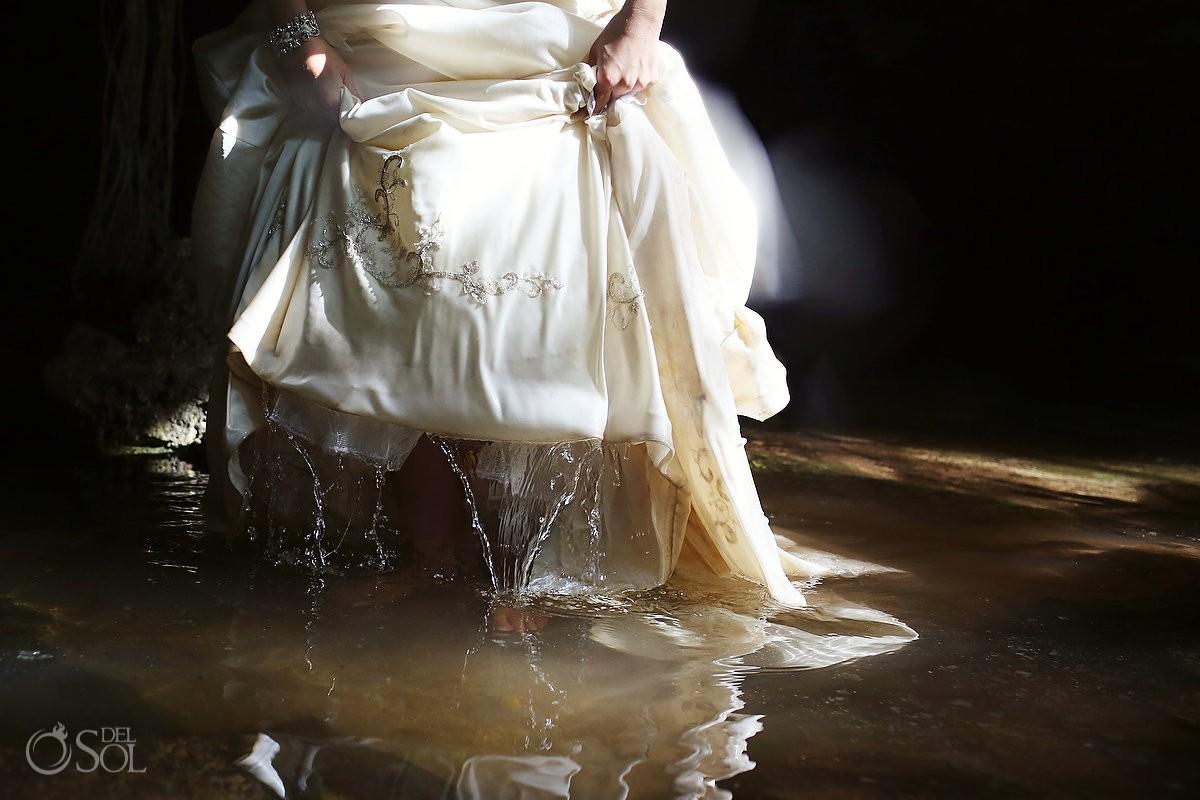 Trash the dress underwater Riviera Maya cenote Del Sol Photography
