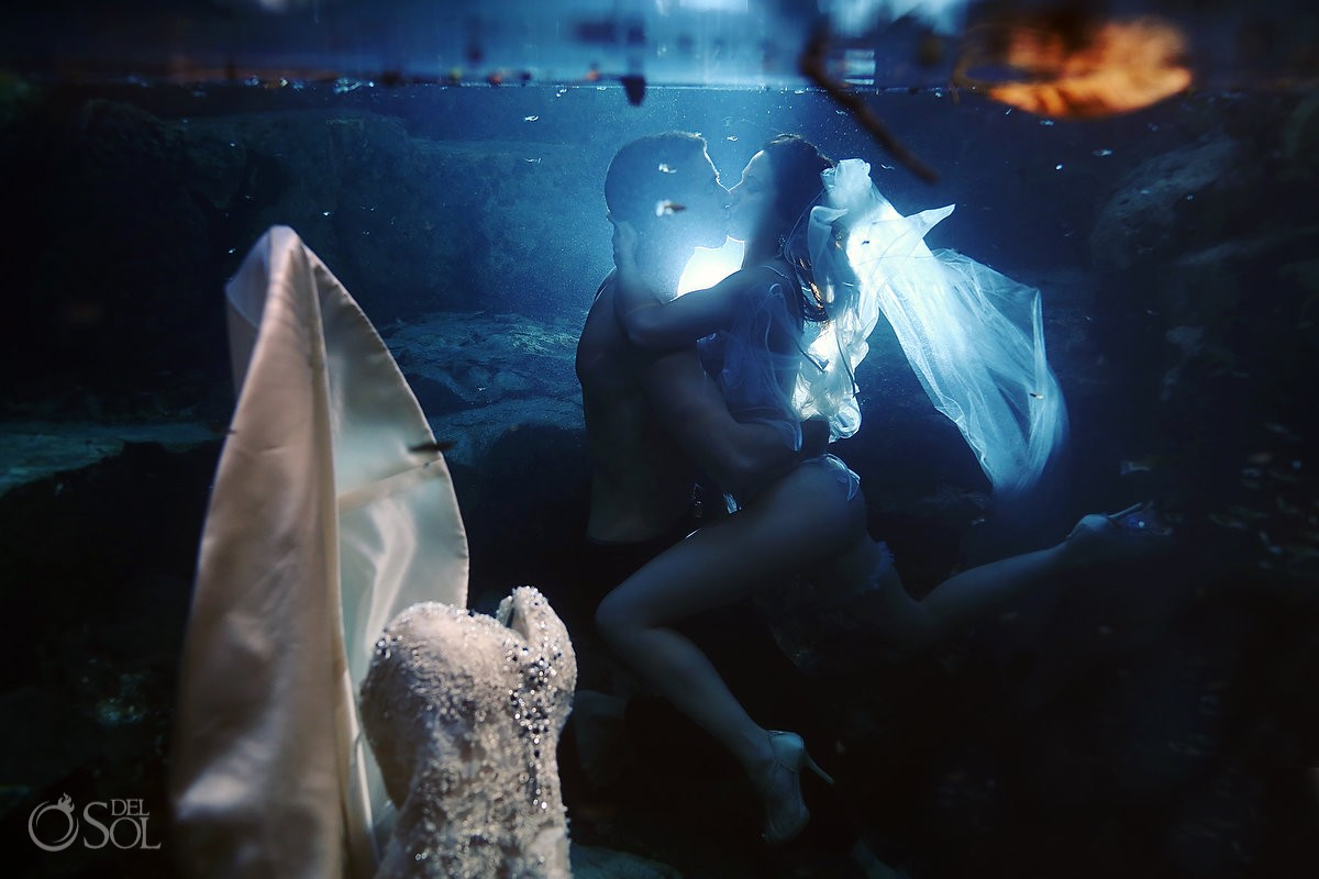 Trash the dress Riviera Maya cenote underwater Mexico Del Sol Photography