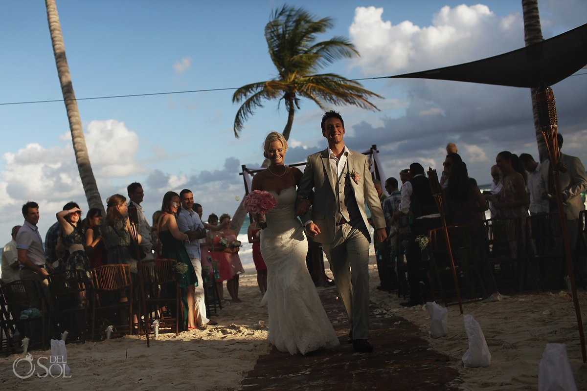 Beach wedding Tulum Ana y Jose Mexico Del Sol Photography