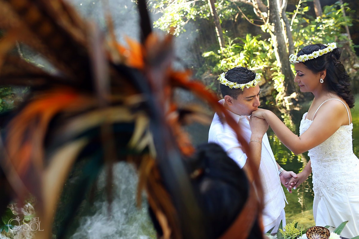 Mayan wedding ceremony in the eco-park Kantun-Chi Mexico Del Sol Photography