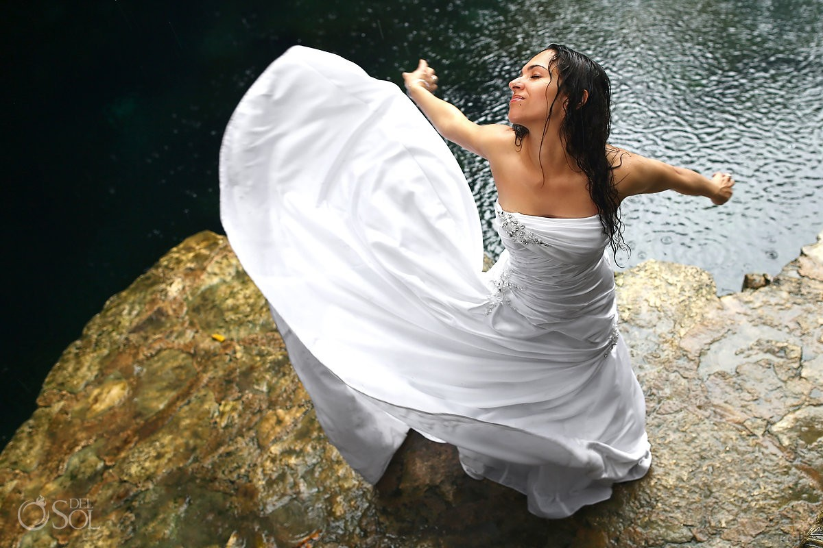 Trash the dress Riviera Maya Mexico Del Sol Photography