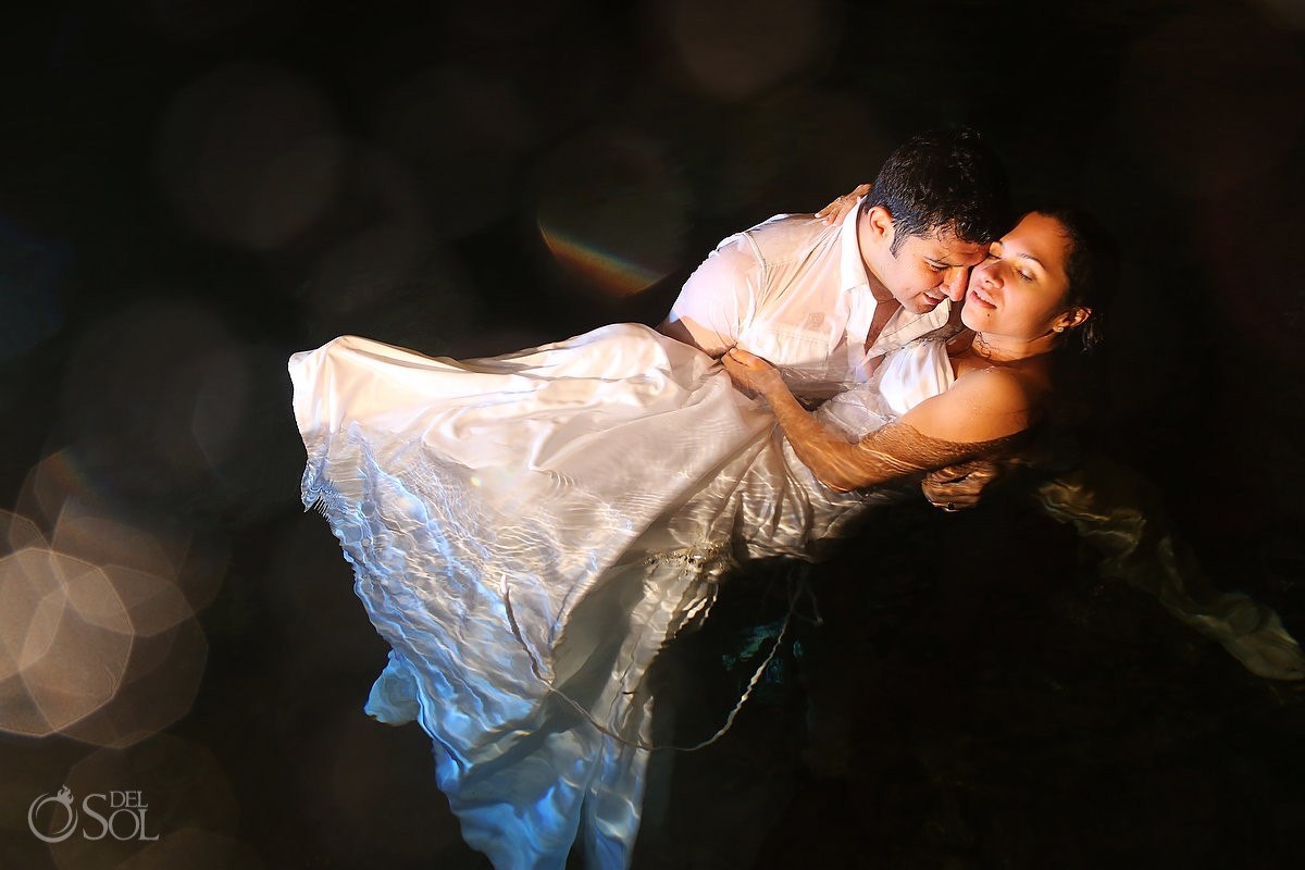 Trash the dress underwater Mexico Riviera Maya Del Sol Photography