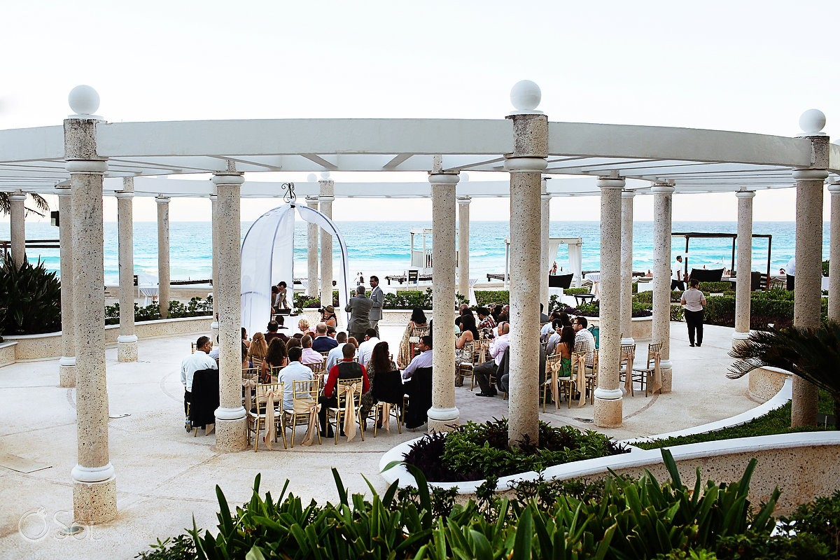 Destination Wedding At Sandos Cancun Prinal And Mark