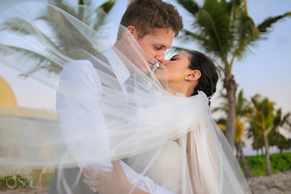 Riviera maya wedding at barcelo maya alli and kerry for Riviera maya wedding photographer