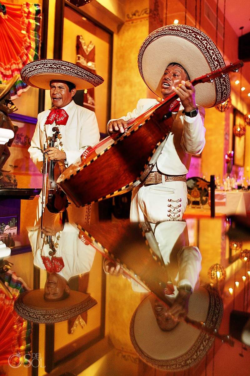 mariachis singing dreams riviera cancun