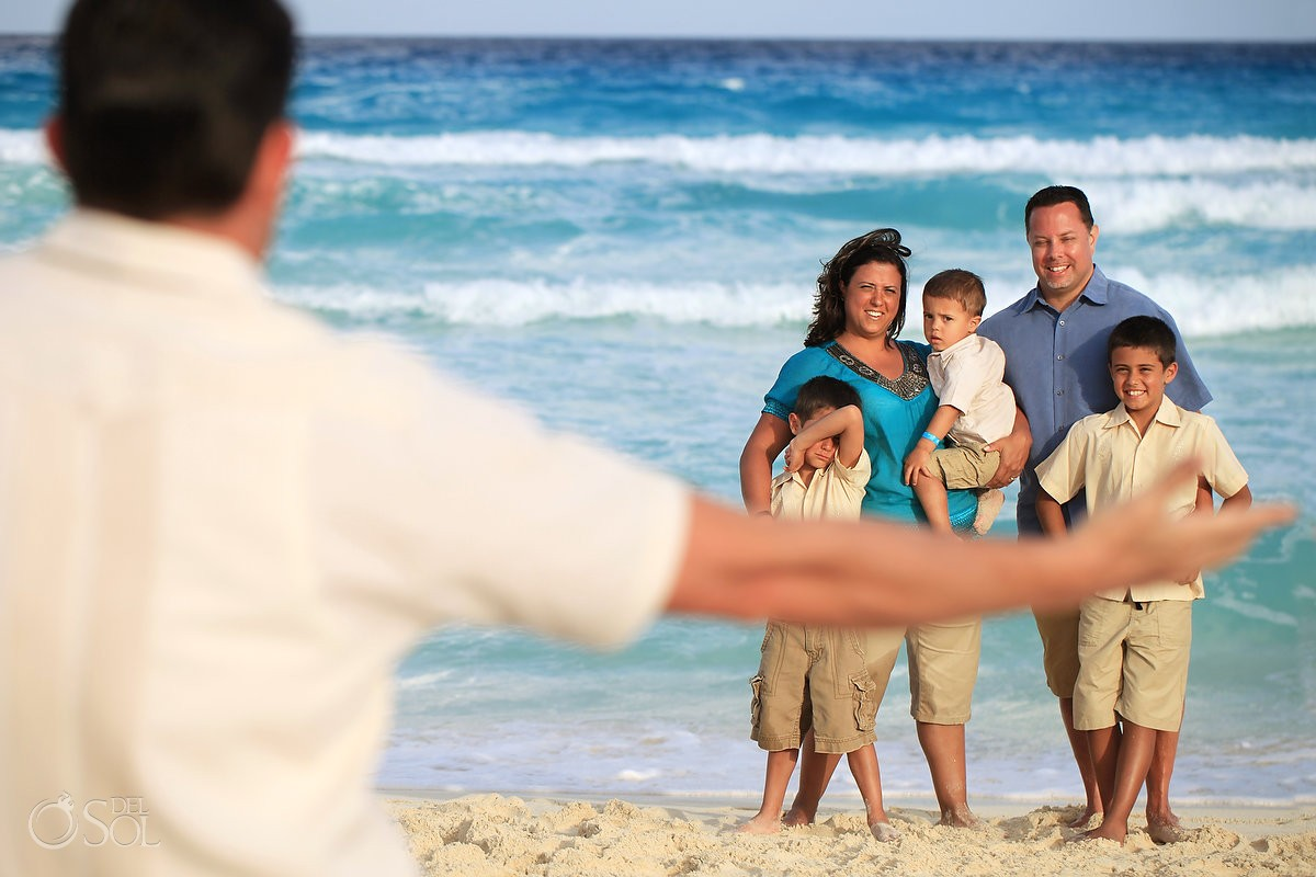 Cancun family beach portraits Gran Caribe Real Mexico Del Sol Photography