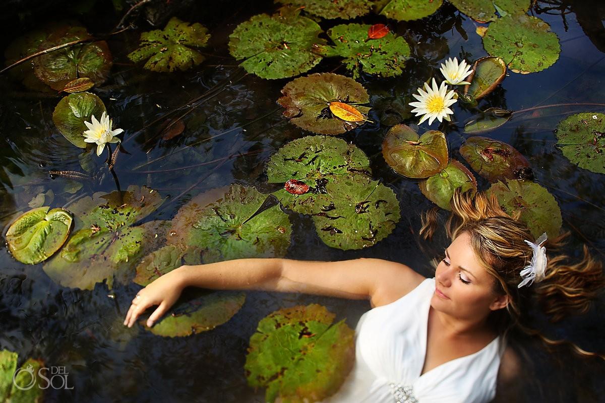 Riviera Maya trash the dress cenote underwater Del Sol Photography