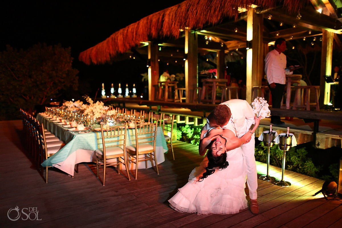 amazing reception decoration and dip kiss at NIzuc Resort and Spa in Cancun Mexico
