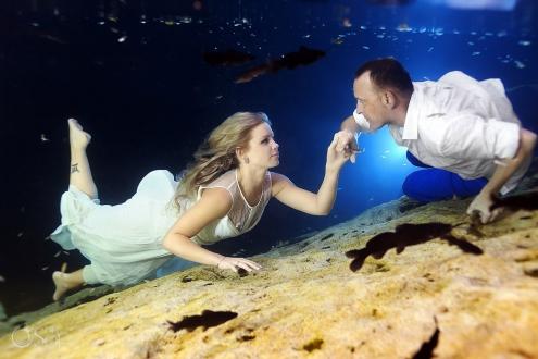 Riviera Maya underwater trash the dress Mexico Del Sol Photography